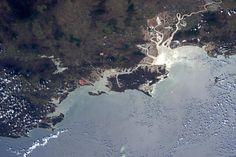 Sam Cristoforetti @AstroSamantha   (IT) Tannum Sands - Queensland, #Australia..