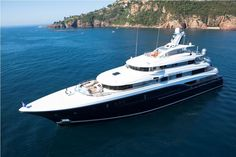 Excellence V yacht 2