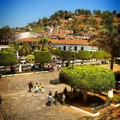 Plaza principal Tacámbaro en Tacámbaro de Codallos, Michoacán de Ocampo