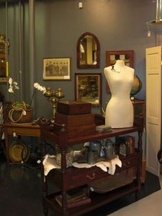 antique booth decorating ideas | ... design merits from booths throughout the antique mall these pieces are