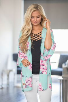 Keep My Dreams In View Floral Kimono - The Pink Lily