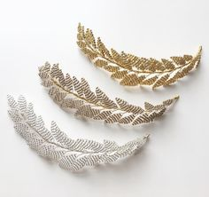 The LENA hairvine is available in Silver, Bright Gold or Antique Gold... follow the link in bio for more info ✨✨✨ . . . . . . #handcrafted #handbeaded #botanicalart #edenbstudio #inspiredbynature #studiolife #bridalhairaccessories #bespokebridalaccessories #weddinghair #weddinginspo #bridetobe #bride #engaged #bridestyle #madewithlove #collection #bridalhair #instawedding #modernbride #bohobride #bridallook #picoftheday #productphotography #weddinghairpiece #hairvine