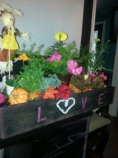 Fall inspired planter box (LOVE)