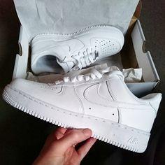 Nike white Air Force 1 Low trainers @zachwhiteboybruce