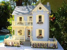 Dollhouses by Robin Carey: East Main street Victorian Dollhouse. Another doll house that I would like to build as a real house.