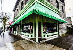 Gino's Restaurant. Sellwood, Oregon