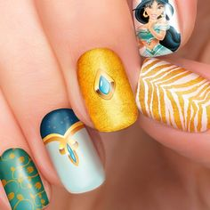 10 Adorable Disney Princess Manicures For Your Quince! Disney Princesses are very incredible. Their story is timeless, and loved by all ages, from small children to adults. All Disney princess themed stuff. Gem Nails, Nail Manicure, Pink Nails, French Fade Nails, Faded Nails, Ombre Nail Polish, Nail Polish Strips, Disney Princess Nails, Disney Nails