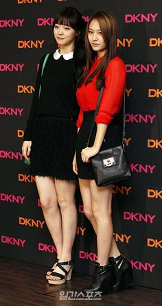 f(x)'s Sulli and Krystal at DKNY's 2011 F/W collection launch, Seoul.