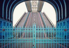 B r i d g e  t h e  G a p  #TowerBridge #gated #symmetry #toll  Waiting due to obnoxious sailing yacht owners  #London #ldn4all #igers #igerslondon #thisisLondon #timeoutlondon #londonlive #visitlondon #shutup_London #Londonforyou #vscolondon #ig_worldclub #igs_europe #london_enthusiast #ILoveLondon #maybeldner #unlimitedlondon #cityoflondonpics #citygram #thebigsmokelondon
