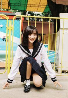 School Girl Outfit, Girl Outfits, Cute Girl Photo, Rain Wear, Japanese Girl, Girl Photos, Korean Girl, Cute Girls, Poses