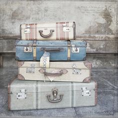 my bags are packed...I'm ready to go...