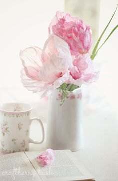 Craftberry bush - easter - crepe and watercolor flower tutorial #epinglercpartager - Épinglé par #borntobesocial, France
