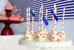 Walentynkowe cake pops, papierowe słomki  Valentine's Day Party, valentine's cake pops, valentine's paper straws