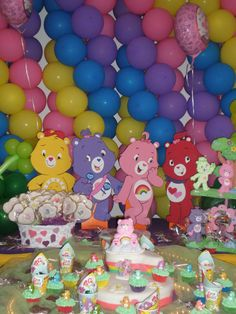 Care Bears Party - balloon backdrop