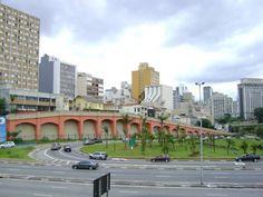 """Arcos dos Calabreses ou Arcos da Rua Jandaia, bairro da Bela Vista (""""Bixiga""""), São Paulo. Foto: Daniel Souza Lima"""