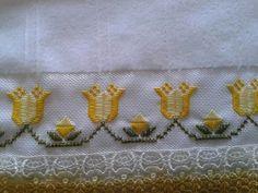 Risultati immagini per ponto reto Hardanger Embroidery, Embroidery Stitches, Embroidery Patterns, Hand Embroidery, Doily Patterns, Craft Patterns, Clothes Patterns, Dress Patterns, Bookmark Craft