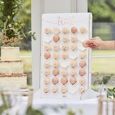 Free Wedding Invitations, Diy Wedding Favors, Wedding Vendors, Wedding Decor, Rustic Wedding, Weddings, Macaron Stand, Macarons, Wedding Cake Alternatives