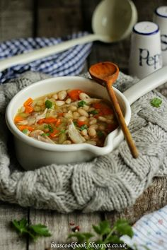 Bea's cookbook: CHICKEN & WHITE BEAN SOUP