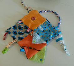 Ich habe zur Geburt unseres Sohnes ein tolles selbst genähtes Entdeckertuch geschenkt bekommen. Ich fand es so schön, dass ich es jetzt nach...