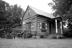 Het Landhuis Estate - dressing cabin for bride or groom. Hut, Bridal Portraits, Receptions, Maid Of Honor, Groom, Dressing, Cabin, Spaces, Weddings