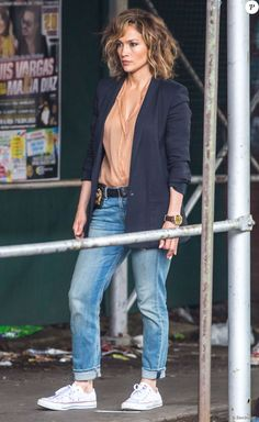 "Jennifer Lopez sur le tournage de la série ""Shades of Blue"" à New York, le 15 juin 2015."