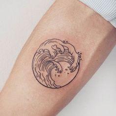 tatuajes de olas de mar significado sin color