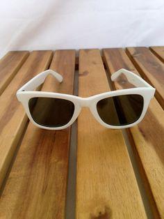e06658939fa Vintage White Wayfarer Style Sunglasses by OwlAndTheMonkey on Etsy