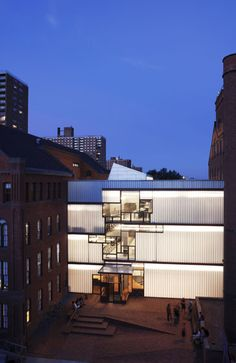 Pratt Institute, Higgins Hall, Steven Holl Architects, Brooklyn, NY. 1997-2005