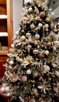 Christmas decor – Home Decoration Rose Gold Christmas Decorations, Elegant Christmas Trees, Silver Christmas Tree, Christmas Tree Design, Christmas Tree Themes, Noel Christmas, Christmas Tree Decorations, White Christmas, Christmas Tree Angel