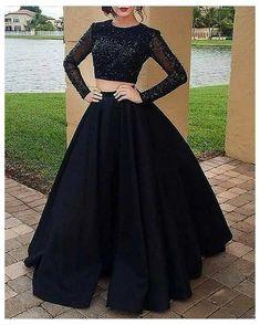 Party Wear Indian Dresses, Designer Party Wear Dresses, Indian Gowns Dresses, Indian Fashion Dresses, Dress Indian Style, Indian Designer Outfits, Evening Dresses, Fashion Clothes, Style Fashion