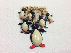 Vintage Bakelite/Plastic PIN/BROOCH Dangle PENGUIN Family Animal/Bird/Figural