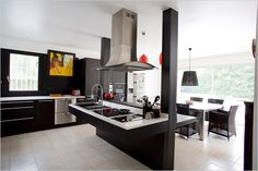 A lovely modern and accessible kitchen in an award-winning, universally-designed home north of Paris, France.