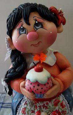 Pote de vidro de 2 L, trabalhado em biscuit em forma de menina de tran??a com cupcake.  ENCOMENDAS SOMENTE MEDIANTE PAGAMENTO DE 50% DO VALOR TOTAL (ARTIGO + FRETE), PAGO NO ATO DO PEDIDO POR DEP??SITO EM CONTA.  VER POL??TICAS DA LOJA.  VAGAS: CONSULTE O M??S DE ENTREGA, ESTOU AGENDANDO CONFORME POSSIBILIDADE. GRATA.  O prazo de confec????o ?? contado A PARTIR DO M??S DE AGENDAMENTO DO PEDIDO.