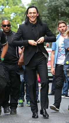 Tom Hiddleston Thor Ragnarok set - Torilla