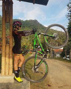 "1,901 Likes, 19 Comments - Aquele Pedal (@aquelepedal) on Instagram: ""@Regranned from @san_m_ospina - No es que me crea la mujer maravilla, Dios es el hace a mi…"""