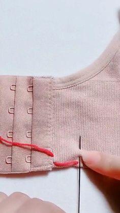 Sewing Lessons, Sewing Hacks, Sewing Projects, Diy Crafts For Teen Girls, Diy Crafts For Adults, Hand Embroidery Flowers, Flower Embroidery Designs, Sewing Sleeves, Simple Pakistani Dresses