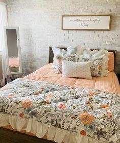 Beautiful florals with a side of ruffles. 📷: @kristinygardner #beddys #zipperbedding #zipyourbed #girlbedding #girlbed #beddysbeds #girlyroom #girlsroomdecor #girlsroom #girlsroominspo #girlsroominspiration #girlsroomdecoration #girlsroomstyling #girlystuff #bedding #beddings #homedecor #homedesign #bedroomgoals #bedroomideas Cozy Bedroom, Modern Bedroom, Girls Bedroom, Bedroom Ideas, Bedrooms, Bedroom Decor, Guest Bathrooms, Bathroom Kids, Beddys Bedding
