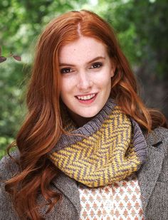 Colorful Chevron Cowl | AllFreeKnitting.com