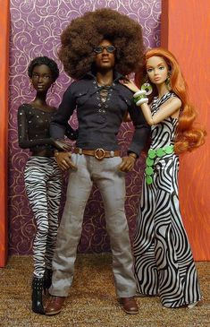 Max Afro & his ladies Fashion Dolls, Fashion Royalty Dolls, Moda Fashion, Diva Dolls, Dolls Dolls, Pelo Natural, African American Dolls, Beautiful Barbie Dolls, Poppy Parker
