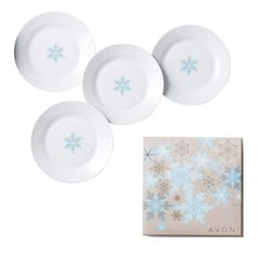 Winter Soft Plate Gift Set. Dine in style with the snowflake motif plates and enjoy a flurry of tasty bites.