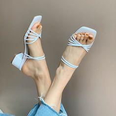 Korean Sandals, Korean Shoes, Sneakers Fashion, Fashion Shoes, Kinds Of Shoes, Baskets, Luxury Shoes, Comfortable Shoes, Girls Shoes