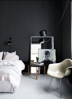 die besten 25 gestrichene schlafzimmerm bel ideen auf pinterest schlafzimmerm bel redo. Black Bedroom Furniture Sets. Home Design Ideas