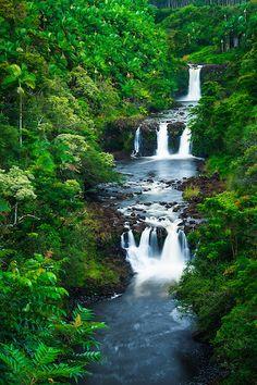 Umauma Falls, The Big Island, Hawaii / © Russ Bishop ~ Click image to purchase a print or license