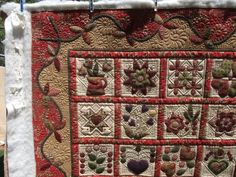 rose's applique quilt  Raylene Smith's quilting talent -- just breathtaking!  Be still my heart
