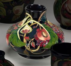 Moorcroft 'Queen's Choice' 32/8 Emma Bosson