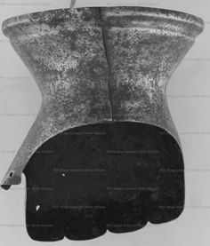 Hourglass Gauntlet, private collection  1380-1400 ref_arm_1317_000