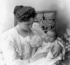 Empress Alexandra with HIH Grand Duchess Anastasia
