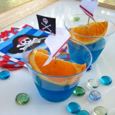 Costumes, pirate food, real buried treasure and a pirate ship tree house! Every little boy's dream birthday party.