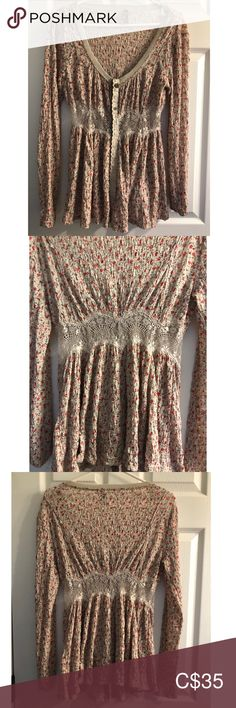 Free people button down blouse with lace inset Free people button down blouse with lace inset. Vintage look and feel. Armpit to armpit Length Free People Tops Blouses Plus Fashion, Fashion Tips, Fashion Design, Fashion Trends, Lace Inset, Vintage Looks, Free People Tops, Button Downs, Blouses