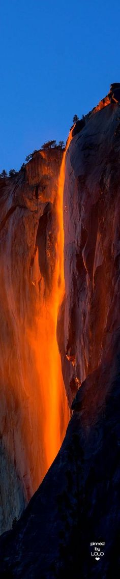 Fire Falls, Yosemite National Park Somalia Africa, not old norh east Portland. Oh The Places You'll Go, Places To Travel, Places To Visit, Yosemite National Park, National Parks, Beautiful World, Beautiful Places, Horsetail Falls, Beau Site